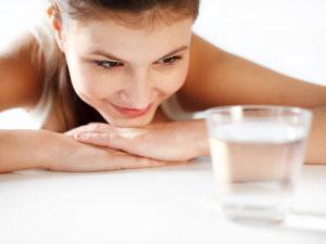 Можно ли пить воду перед общим анализом крови