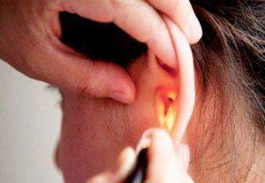 Почему течет кровь из уха