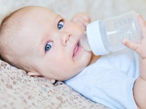 Сколько воды нужно пить новорожденному